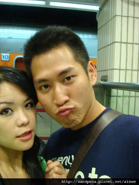 台北車站 等車中 (3)