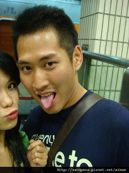 台北車站 等車中 (4)