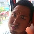 2010-8-15 (12)公車上耍白癡