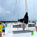 2011-1-20-關島@白色雙船身動力風帆「美人魚公主號」_002
