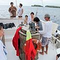 2011-1-20-關島@白色雙船身動力風帆「美人魚公主號」_028