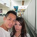 2011-1-21- 從關島回來啦! 在關島機場 (4)