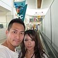 2011-1-21- 從關島回來啦! 在關島機場 (3)