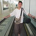 2011-1-21- 從關島回來啦! 在關島機場 (6)