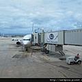 2011-1-21- 從關島回來啦! 在關島機場 (31)