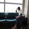 2011-1-21- 從關島回來啦! 在關島機場 (35)