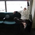 2011-1-21- 從關島回來啦! 在關島機場 (38)