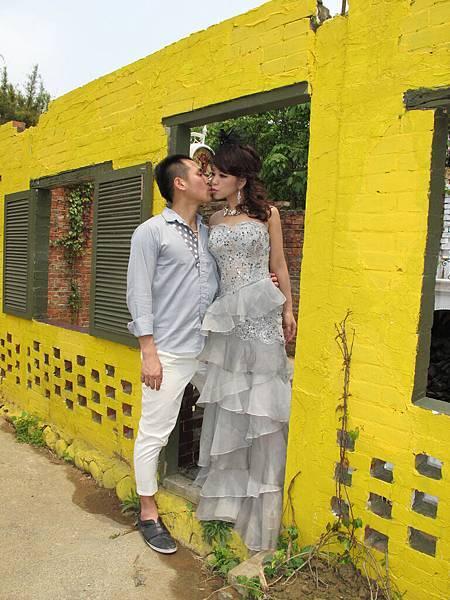 2011 4 9 黃色牆框 (4)