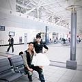 2010-10-30-玩拍婚紗第二站~ 墾丁第八拍 左營高鐵站 (4)
