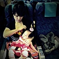 嬰兒坐飛機初體驗 (44)