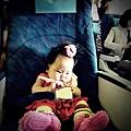 嬰兒坐飛機初體驗 (45)