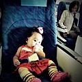 嬰兒坐飛機初體驗 (46)