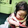 嬰兒坐飛機初體驗 (77)