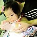 嬰兒坐飛機初體驗 (98)