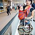 嬰兒坐飛機初體驗 (113)
