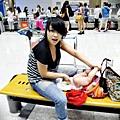 嬰兒坐飛機初體驗 (127)