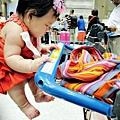 嬰兒坐飛機初體驗 (129)