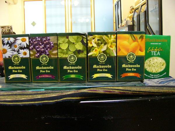 技安剛從斯里蘭卡帶回的花茶