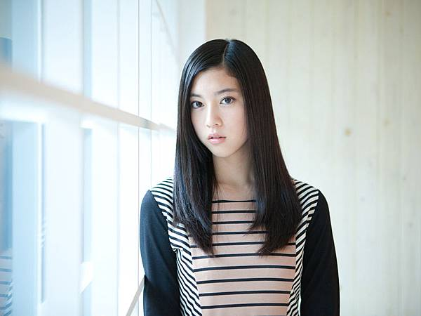 三吉彩花_005