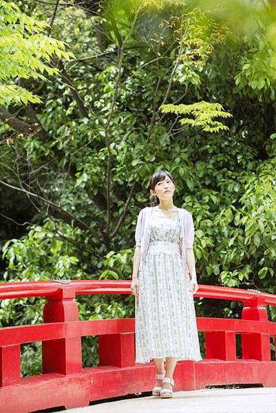 渡邊麻友_2011.jpg