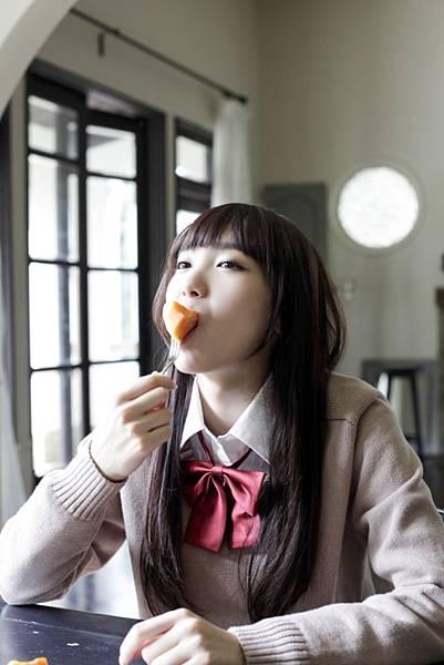 飯豊まりえ_031.jpg