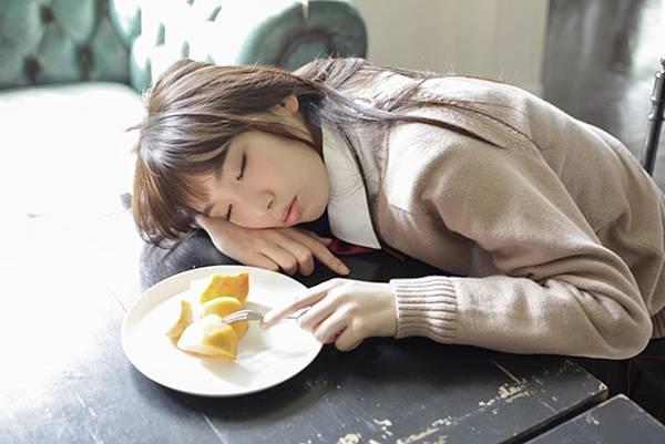 飯豊まりえ_036.jpg
