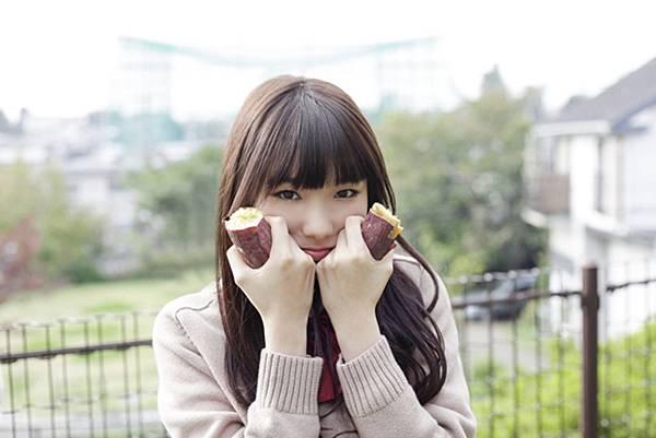 飯豊まりえ_049.jpg