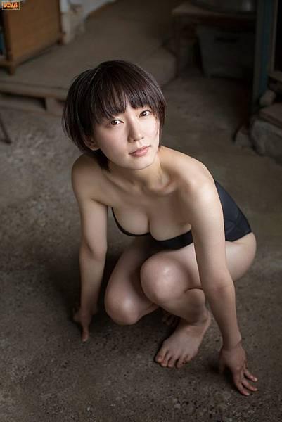 吉岡里帆_001.jpg