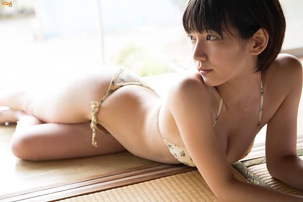吉岡里帆_014.jpg