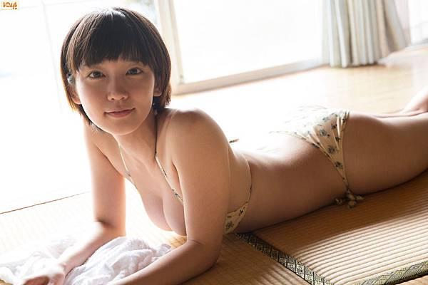 吉岡里帆_017.jpg