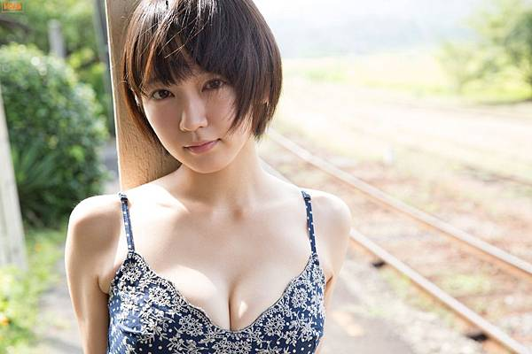 吉岡里帆_070.jpg
