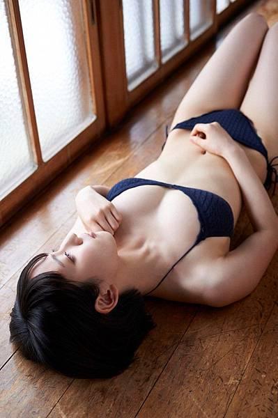 吉岡里帆_092.jpg