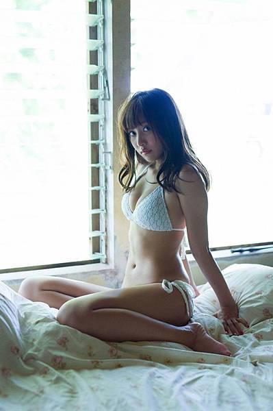 佐野ひなこ_336.jpg