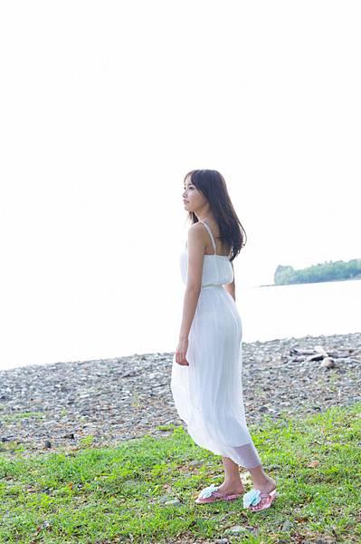 佐野ひなこ_378.jpg