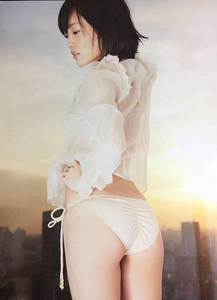 山本彩_888.jpg