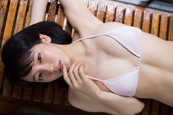 吉岡里帆_134.jpg