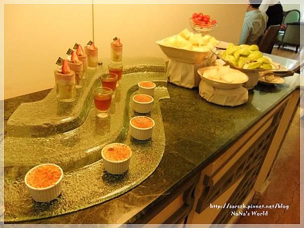水果&甜點區