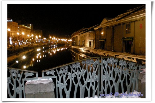 夜晚的小樽運河