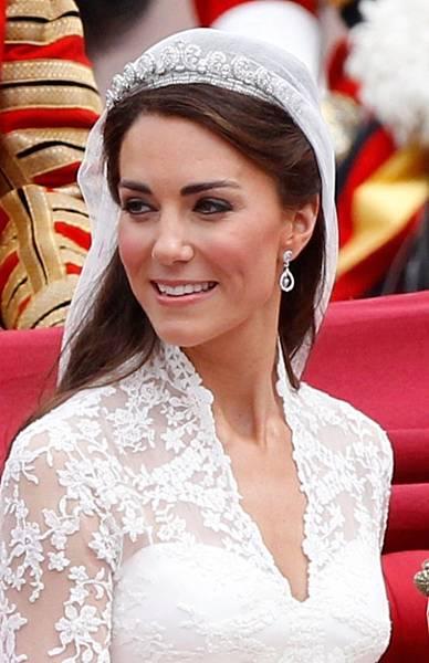 Royal-Wedding-Kate-Middleton-Wedding-Hairstyle-500x775.jpg