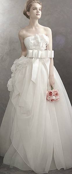 Vera-Wang-Basket-Weave-Organza-Ball-Gown