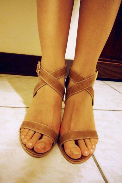 原色皮質高跟鞋