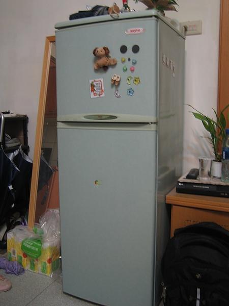 Sanyo雙門冰箱,購入價$6000,出清$2500