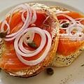嬰栗子貝果煙燻鮭魚