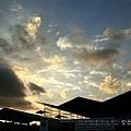鵝黃色滴雲
