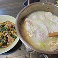 lunch蔥燒肉、絲瓜粥