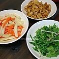 紅蘿蔔馬鈴薯、味增龍鬚、滷麵筋