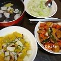 海魚湯、絲瓜、南瓜山藥秋葵、滷豆干紅蘿蔔
