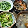 味增花椰、吻仔魚莧菜、滷物、豬大骨魚頭豆腐冬瓜蛤利湯