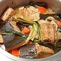 滷物,豆干、海帶、紅蘿蔔、麵筋球、豬梅花