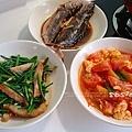 黑輪片韭菜、薑汁燒魚、番茄炒蛋、冬瓜瘦肉冬菇湯